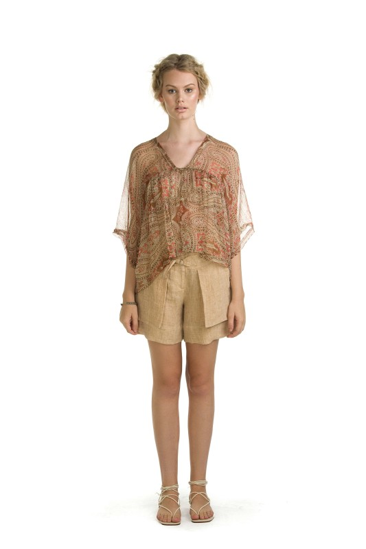 AMBER HENNA TOP & BETH WHEAT SHORT
